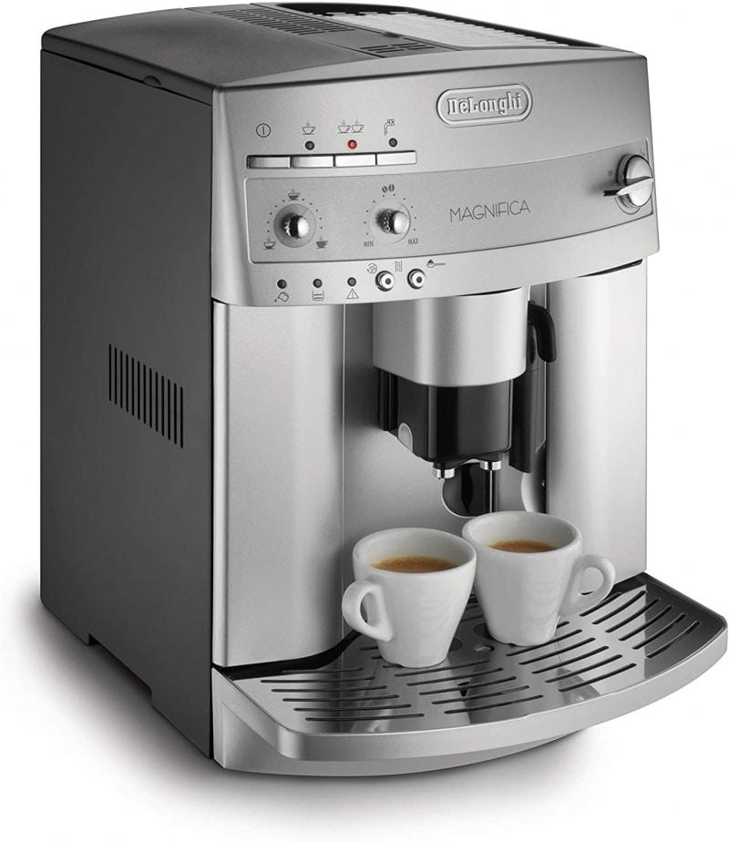 1. De'Longhi Magnifica Super Automatic Espresso and Coffee Machine